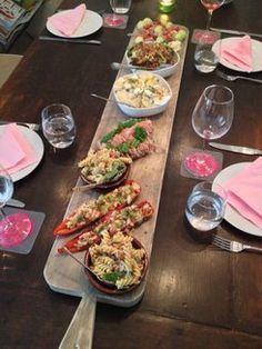 Hapjesplank borrelplank eetplank van steigerhout hout decoratie pinterest hapjes - Deco giet keuken ...