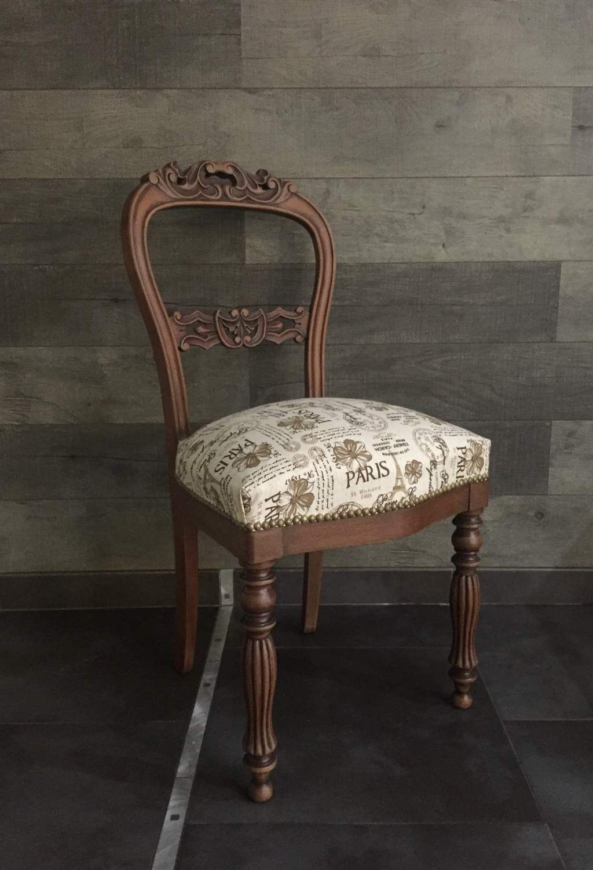 Comment Tapisser Une Chaise Ancienne chaise ancienne bois sculpté marron tissu lin beige paris
