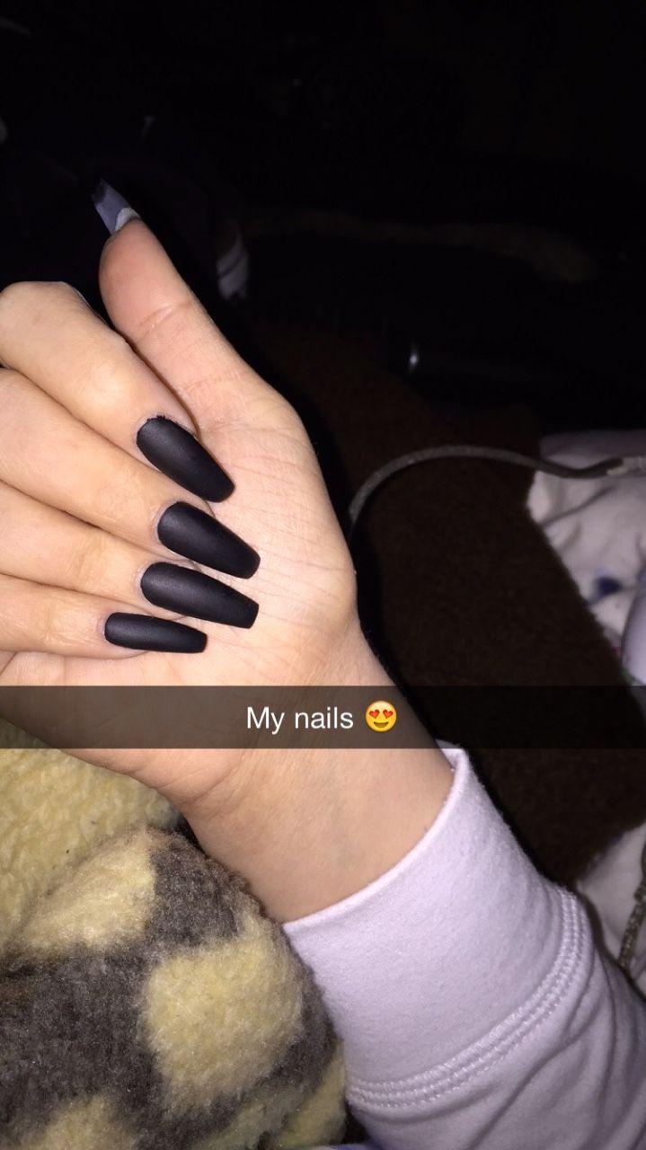 AliyaMadani | uñitas <3 | Pinterest | Nuggwifee, Matte black nails ...