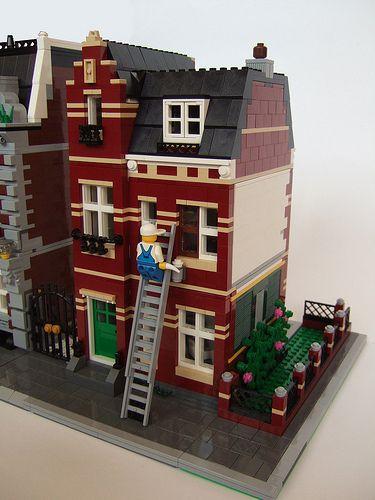 11 Dark Red House