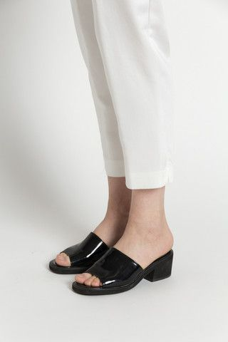 Vintage 90s Black Patent Leather Slip on Mule Sandals with Chunky Heel / VAUXSHOP.COM
