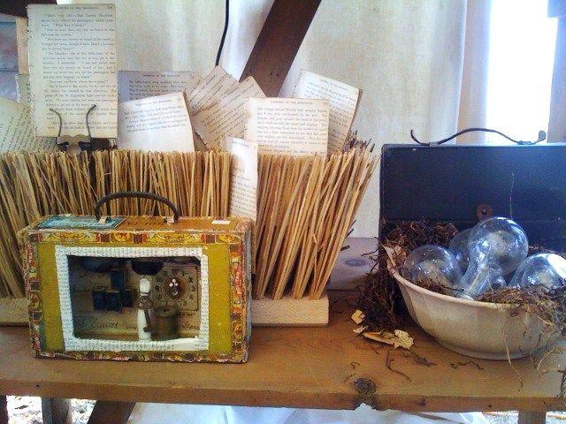 Love the little vignette in the cigar box....lotsa possibilities