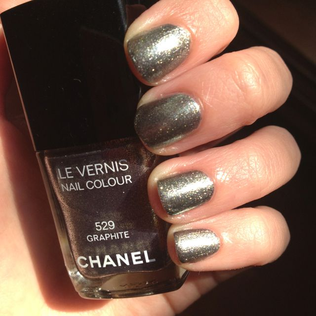 Chanel graphite fall 2011 - http://instagr.am/p/N-qoPgNfsz/