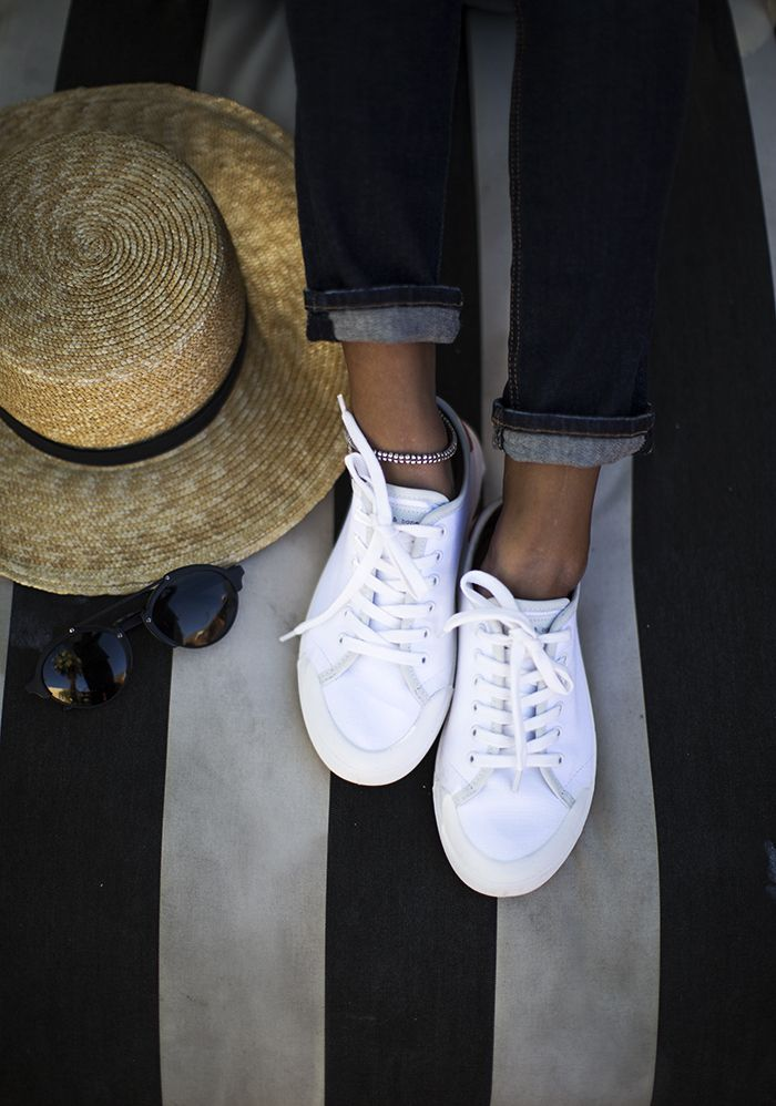 Add an anklet to dress up a cool pair of sneakers! Love these rag & bone Standard Issue Sneaker. http://rstyle.me/n/bhx2hz9sx6