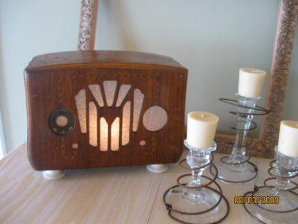 Vintage Radio Turned Into A Light Unusual Lamps Light Diy Lighting