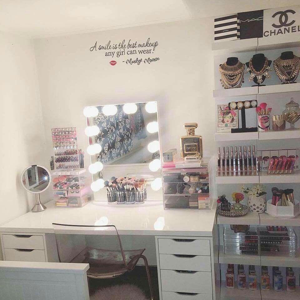 23+ DIY Makeup Room Ideas, Organizer, Storage and ... on Make Up Room Design  id=61056