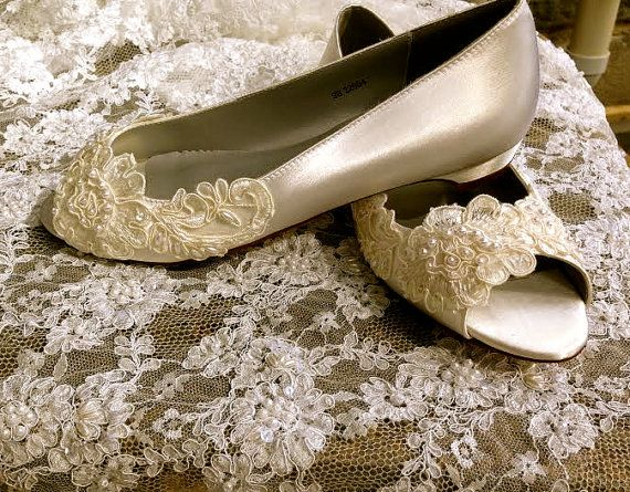 Victorian Style Low Heel Bridal Open Toe Pump Custom Beaded Hand Made Pearl Crystal Lace Detail Flat Wedding Shoe Ballet