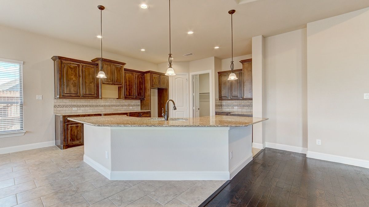 Custom Cabinetry New Homes For Sale Midlothian Tx The Grove Home New Homes For Sale New Homes