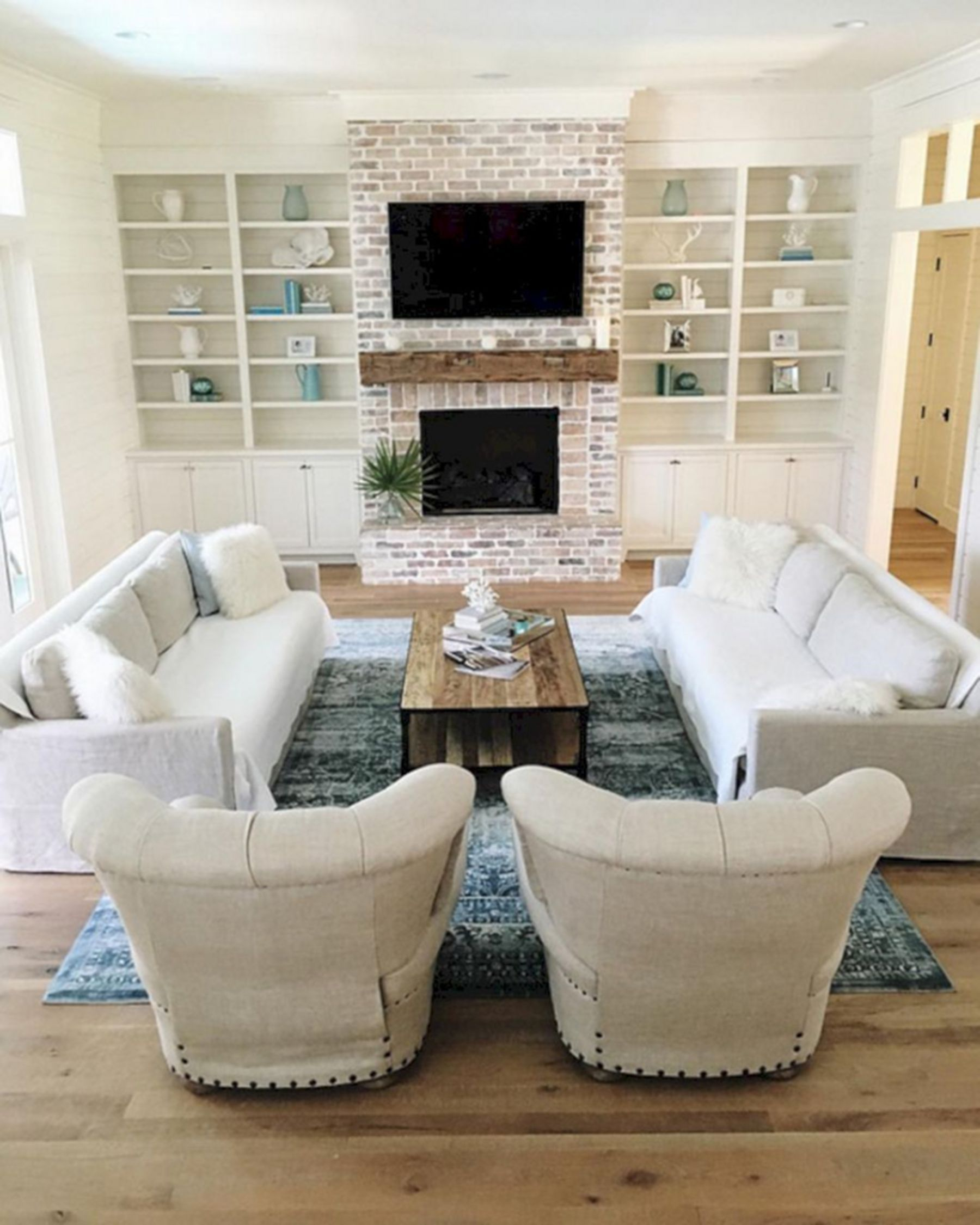 25 Awesome Living Room Design Ideas On A Budget: 25 Lovely Farmhouse Living Room With Awesome Fireplace
