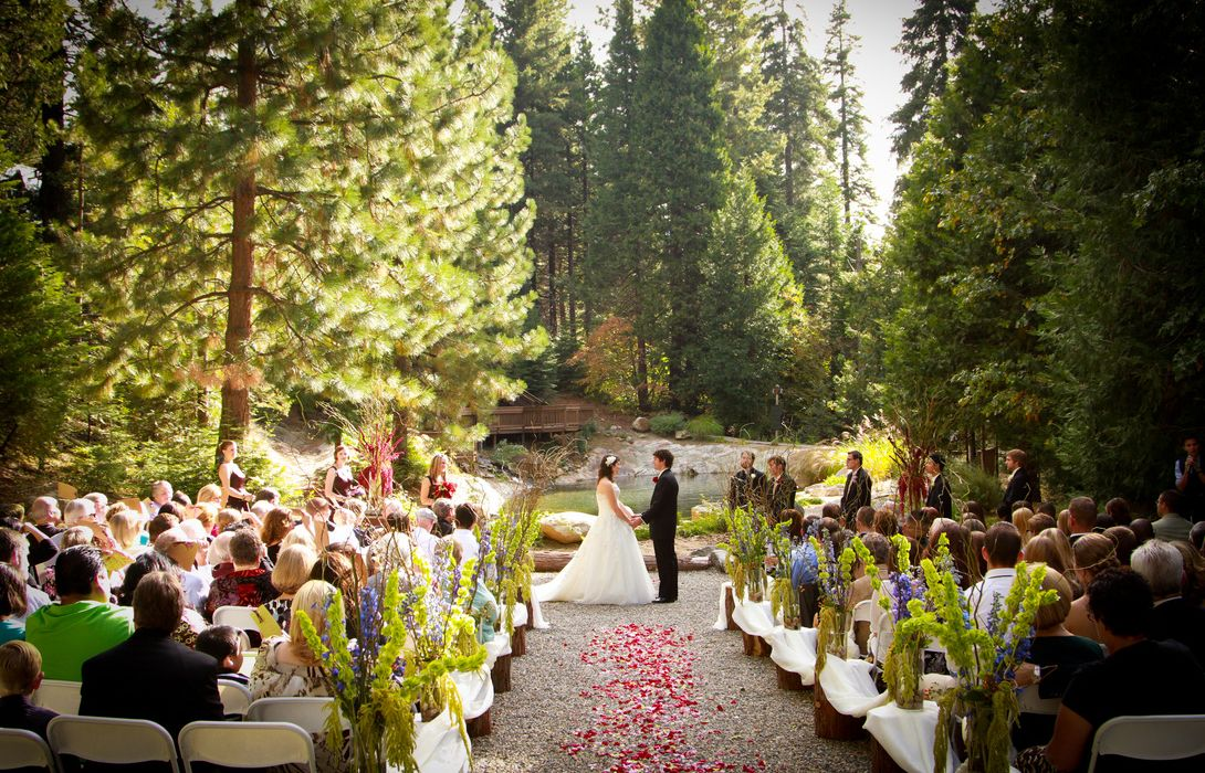 Find Paradise Springs Fresno Ca Wedding Venues One Of Best Wedding Venues In Fresno Ca Yosemite Wedding Outdoor Wedding Venues Yosemite Wedding Locations
