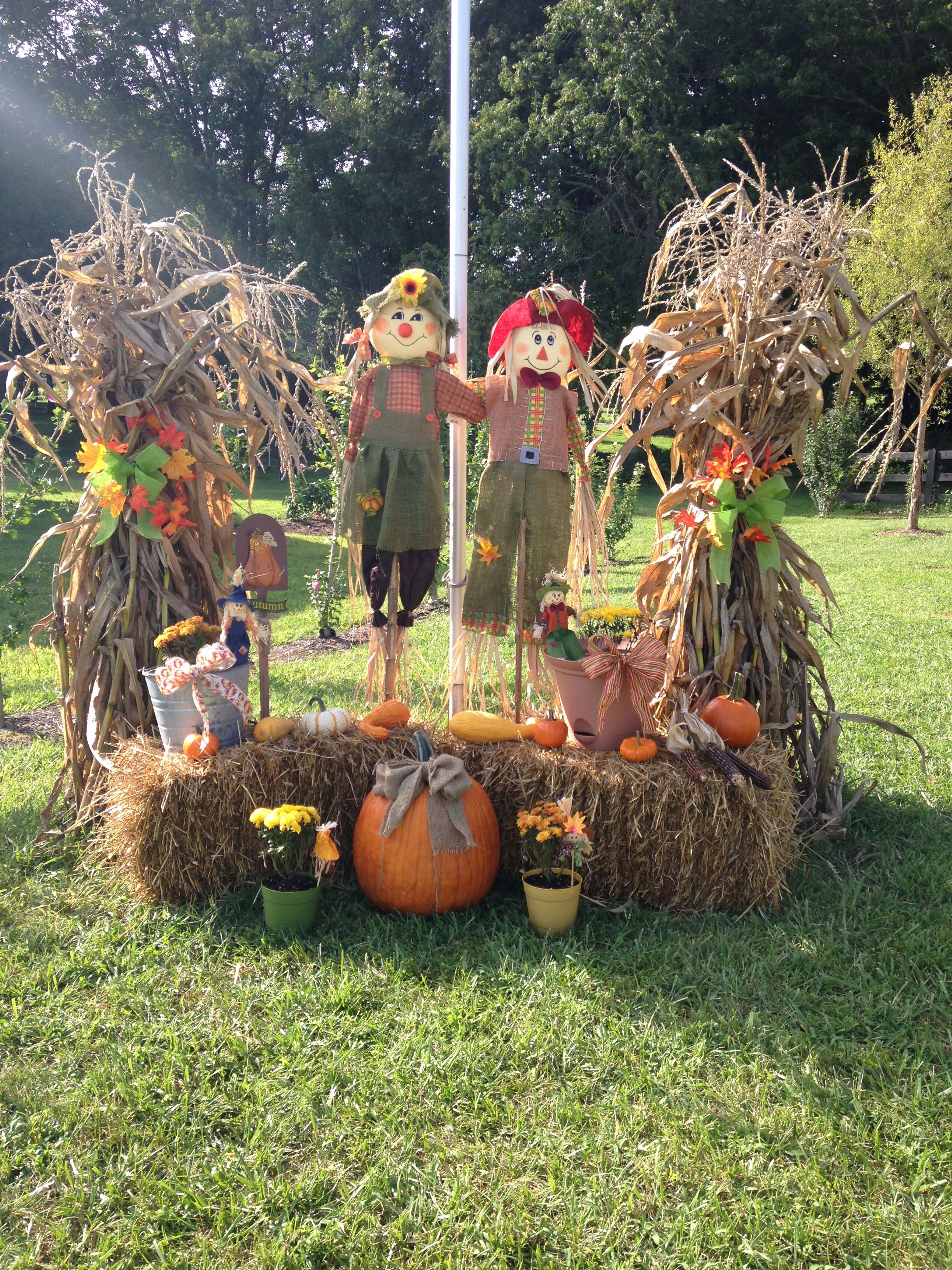 Hall Fall Decorations Fodder Shocks Scarecrows Straw Bails And