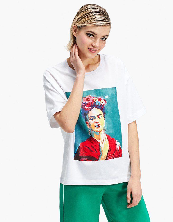 En Stradivarius encontrarás 1 Camiseta Frida Kahlo por sólo