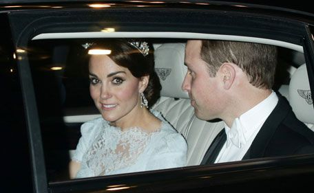 Duchess Kate brings back Diana's memory to Buckingham Palace -   The Duke and Duchess of Cambridge made a stunning appearance at the Diplomatic Reception at Buckingham Palace in London on Tuesday. 8th Dec 2015.   William suited up in a black-and-white tux while Kate was wearing, appropriately, the dazzling diamond and pearl Cambridge Lover's Knot tiara, once owned by Princess Diana.