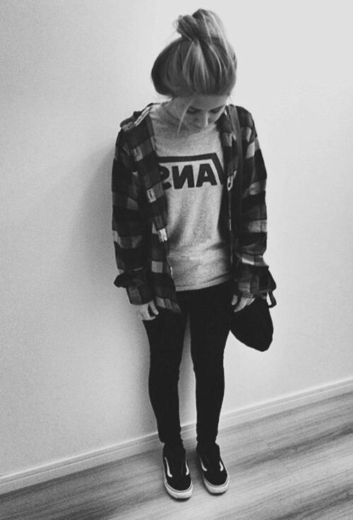 4ffd6125a253f black and white, grunge, hipster, outfits, tumblr, vans - image ...