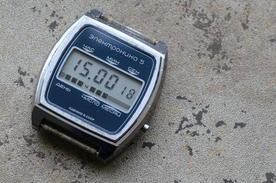 de4125428f28 Vintage soviet digital watch -- ELEKTRONIKA 5
