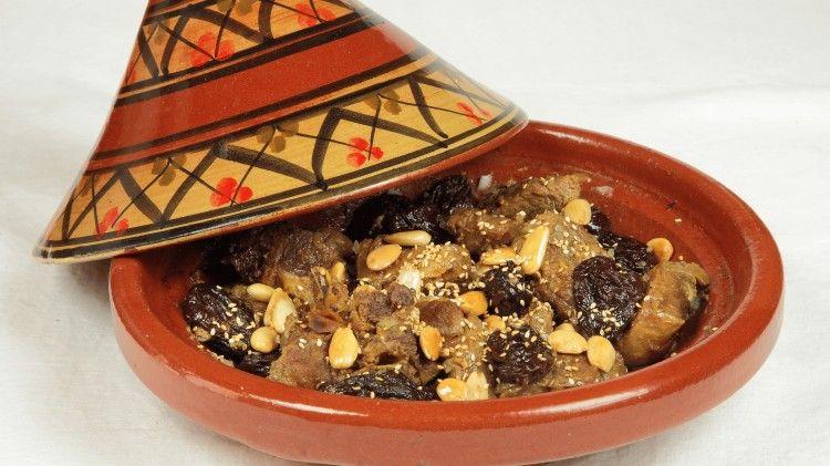 Spezie Marocchine Per Tajine.Tajine Spalla Di Agnello Alle Prugne E Mandorle Aromatizzato