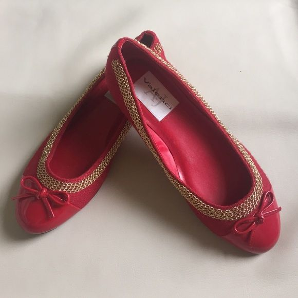 Red Flats These flats have only been worn one time. There is no sign of wear or any scuff marks. Shoes Flats & Loafers