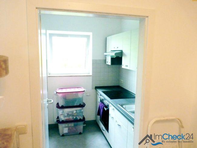 Küche mit Fenster zum Garten ++Top-Kapitalanlage++ Gut vermietete