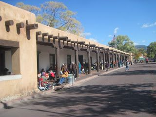 Old Town Santa Fe >> Old Town Square Santa Fe Nm Tourist Stop Lots For Crafts For Sale