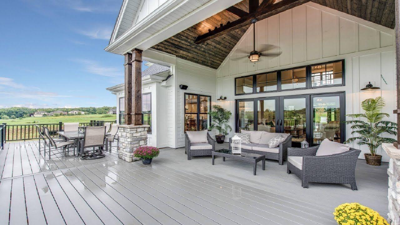 25 Cool Farmhouse Outdoor Living Spaces Decks Patios Porches Ideas House With Porch Farmhouse Exterior House Exterior