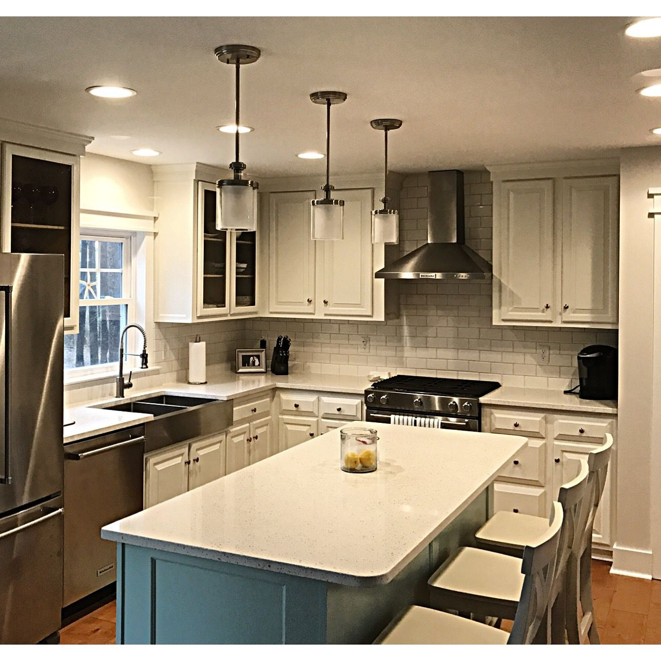 Painting Wood Kitchen Cabinets White: Farmhouse / French Style Kitchen. Wood Cabinets Painted