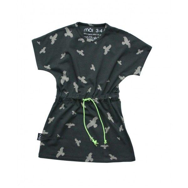 MOI Zwart jurkje met grijze vogels en groen koord