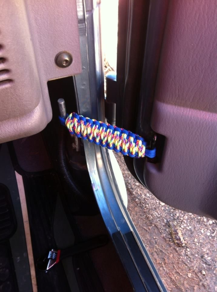 Paracord Door Straps On 98 Jeep Tj Jeep Tj Jeep Wrangler Diy Jeep Mods