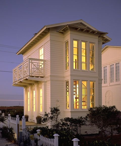 Breedlove Cottage in Seaside by Architect Eric Watson.