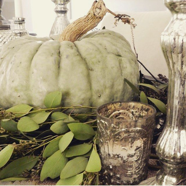 Ohh sweet #fall I can't wait for you!! Getting excited for this new season #roomsforrentblog #farmhousestyle #pumpkin #mercuryglass #tablescape #artofhome