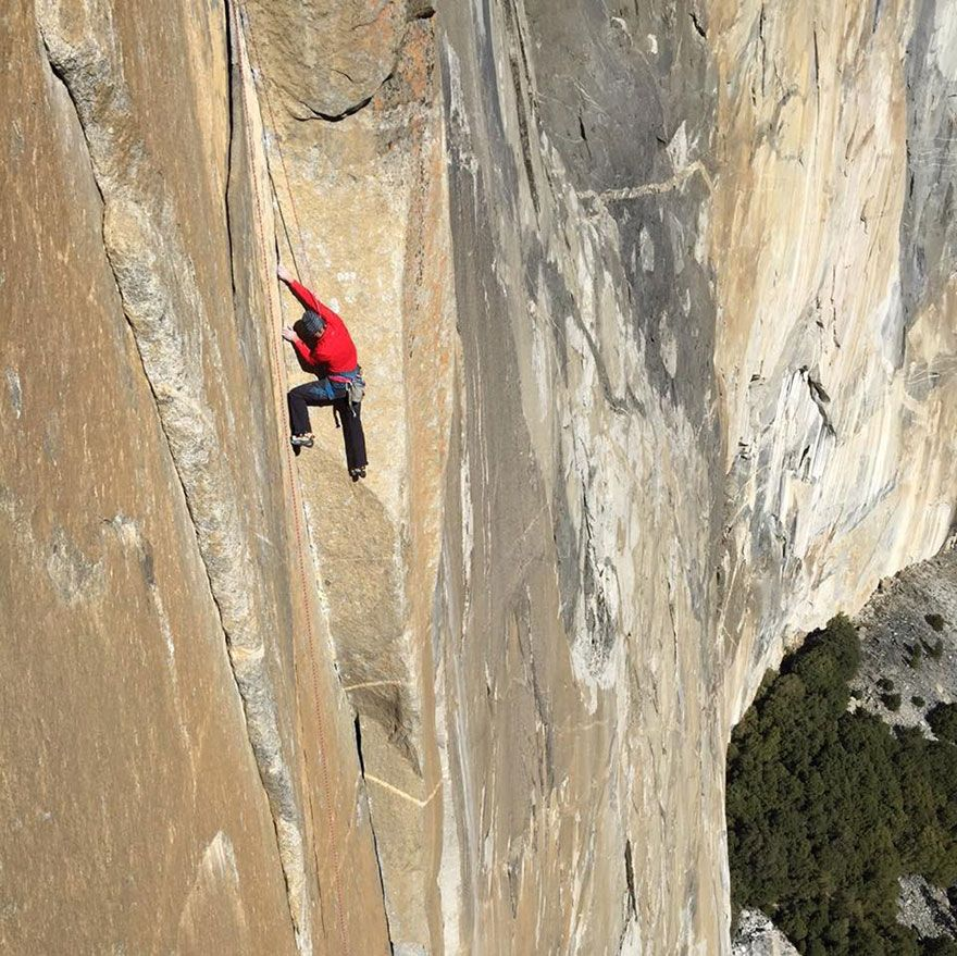Two Men Are Making History By FreeClimbing Ft Up The Hardest - Two climbers scale 3000ft hardest route world