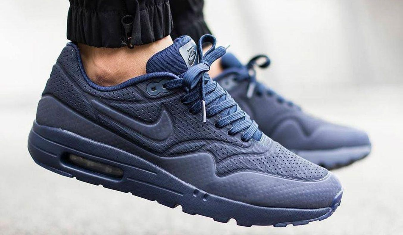 NIKE AIR MAX 1 ULTRA MOIRE ** The beautiful color on these awesome