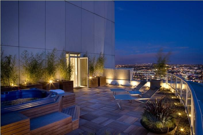 Private terrace rooftop patio condo penthouse vancouver for Pool design vancouver