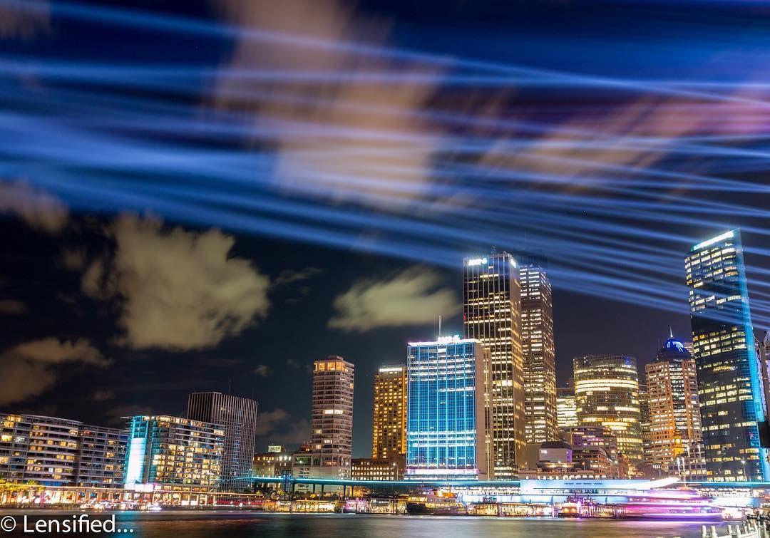 #photo #photography #travel #holiday #travelphotography #image  #instadaily #instagood #instalike #instatags4likes #beauty #canon #lensified #joshirahool #reflection #water #longexposure #lights #lighttrails #sydney #sydneyskyline #architecture #love #vividsydney2017 #illuminated #colours http://tipsrazzi.com/ipost/1523848215877790579/?code=BUly-DvAitz