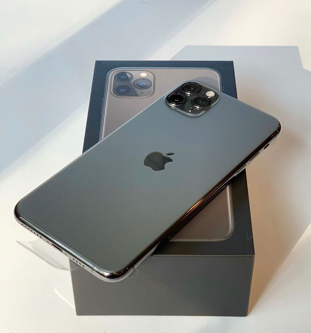 """Apple Iphone X on Instagram """"iPhone 11 Pro Max Unboxing"""