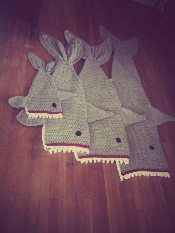 Crochet Shark Blanket Cocoon wrap snuggie cozy | Cola de sirena ...