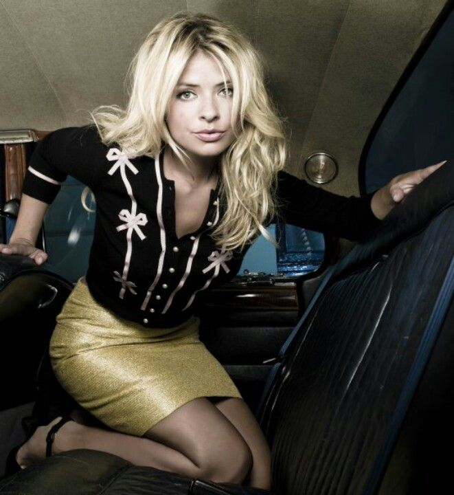 Holly Willoughby | Celebrity Pictures