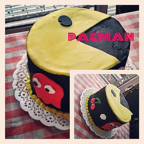 Feliz cumple Dany! #pacman #cake #cupcakes #cookies #galletitas #tortas #pasteles #AYNIC #needcupcakes | Flickr - Photo Sharing!