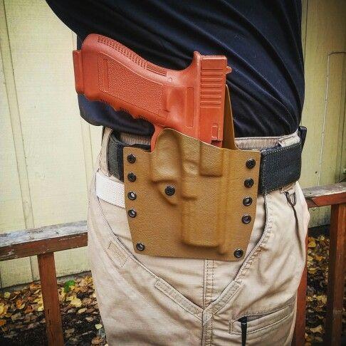 Glock 17/22 Kobra(OWB Holster) in Coyote Brown. www.KobraKydexGear.com #kobrakydexgear #kydex #holster #owb #glock #glock17 #glock22