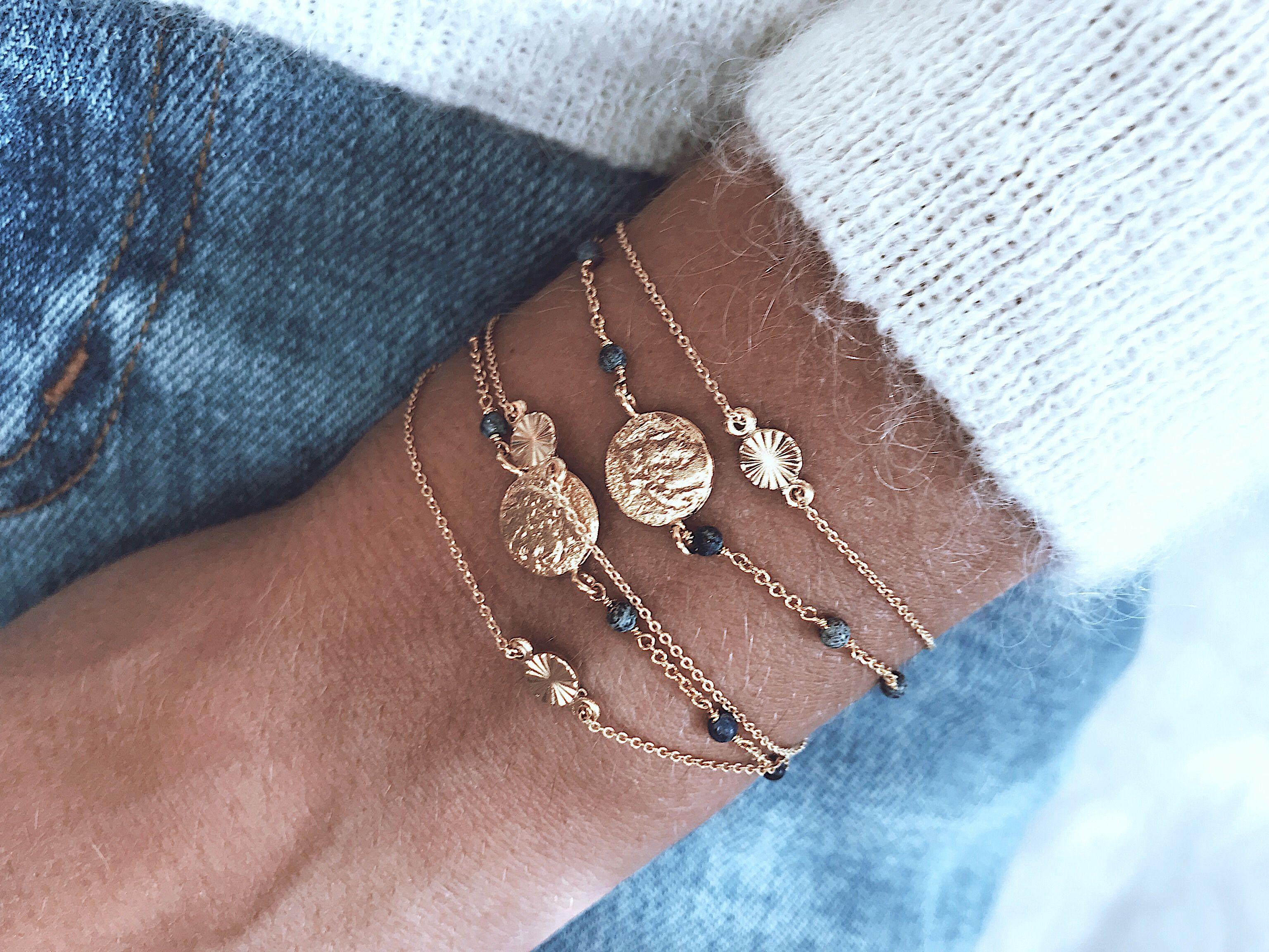la meilleure attitude 9822c c68e9 Les petits bracelets fins ! | Bijoux en 2019 | Bijoux de ...