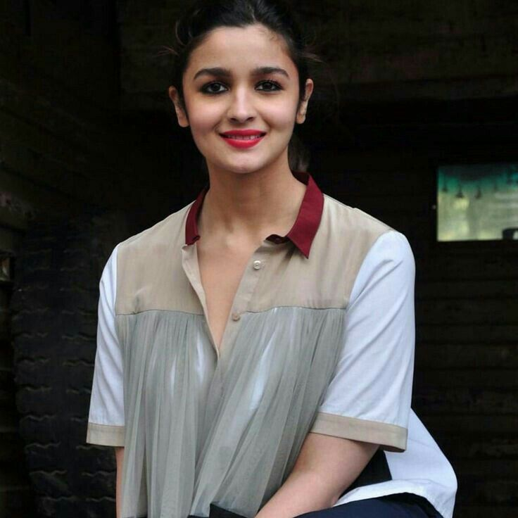Alia Bhatt Lollywood Bollywood لولئ وڈ بولئ وڈ Alia Bhatt