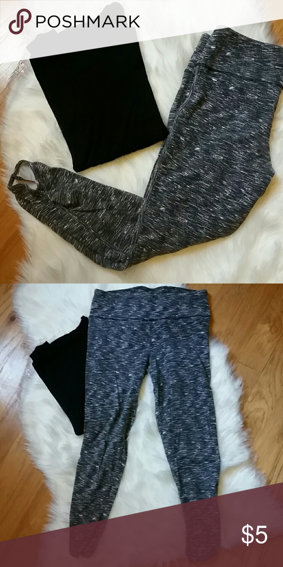 b7a69f773ac519 Active Crop Leggings Black & White active leggings. Crop lenght with  ruching on the ankles. Normal signs of ware. Mossimo Supply Co. Pants  Leggings
