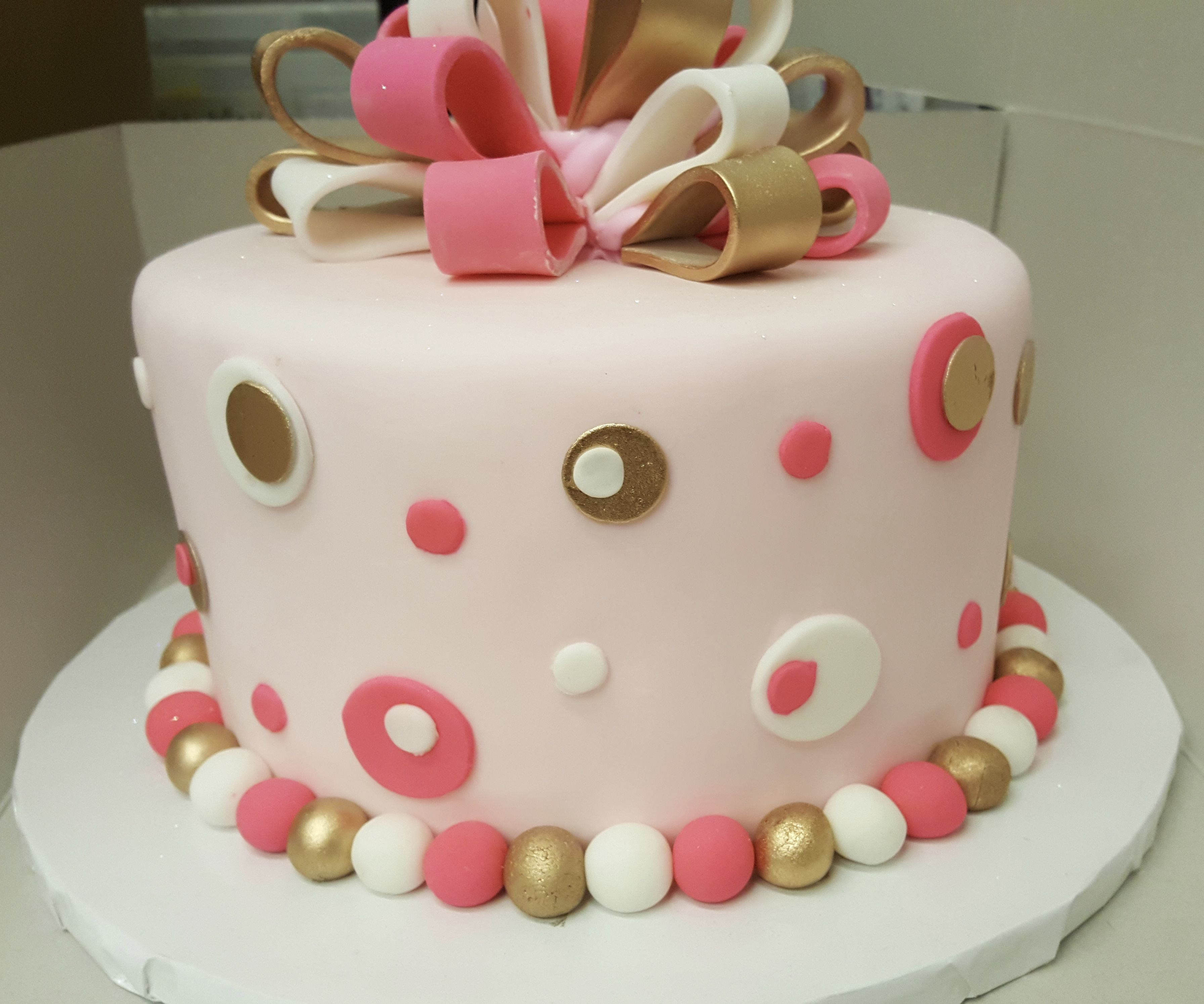 Tremendous Calumet Bakery Balls And Bows Simple Fondant Cake Fondant Cakes Funny Birthday Cards Online Bapapcheapnameinfo
