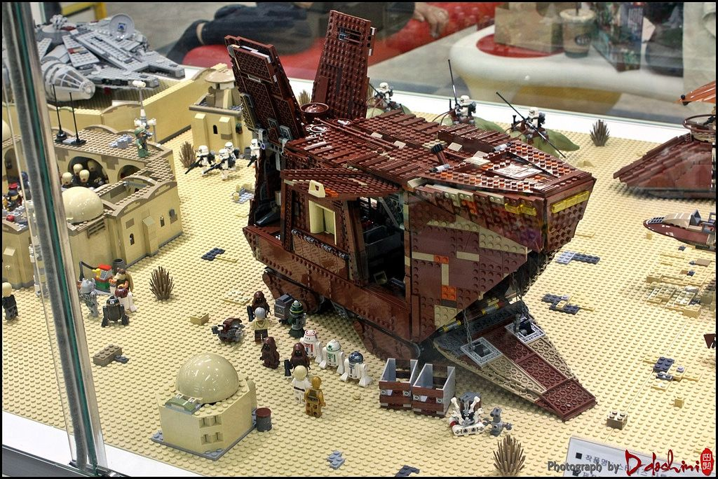 Star Wars Tatooine Diorama | Lego store, Dioramas and Lego