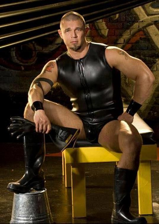Gay Male Leather Master 6
