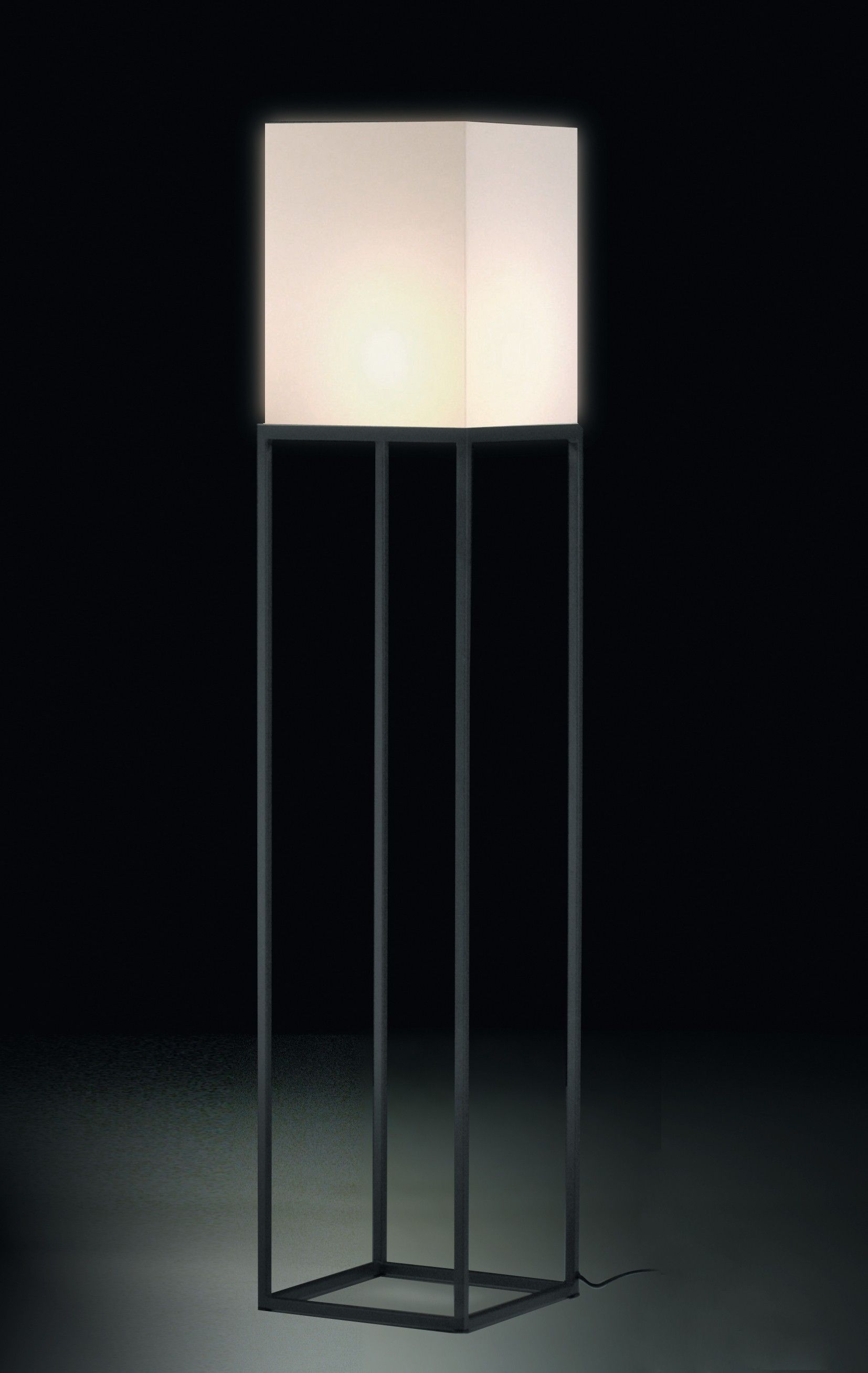 Staanlamp (@Kenneth Lamiroy) | Woonkamer | Pinterest | Cube, Epoxy ...