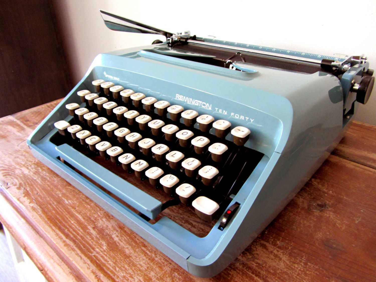 I have for sale or trade a 1960's Remington Ten Forty portable in aqua  blue. Works great, only needs a new ribbon! For a great nastalgic gift, ...