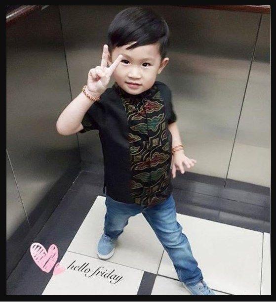 Model Baju Batik Modern Kombinasi Untuk Anak Laki Laki Model Batik