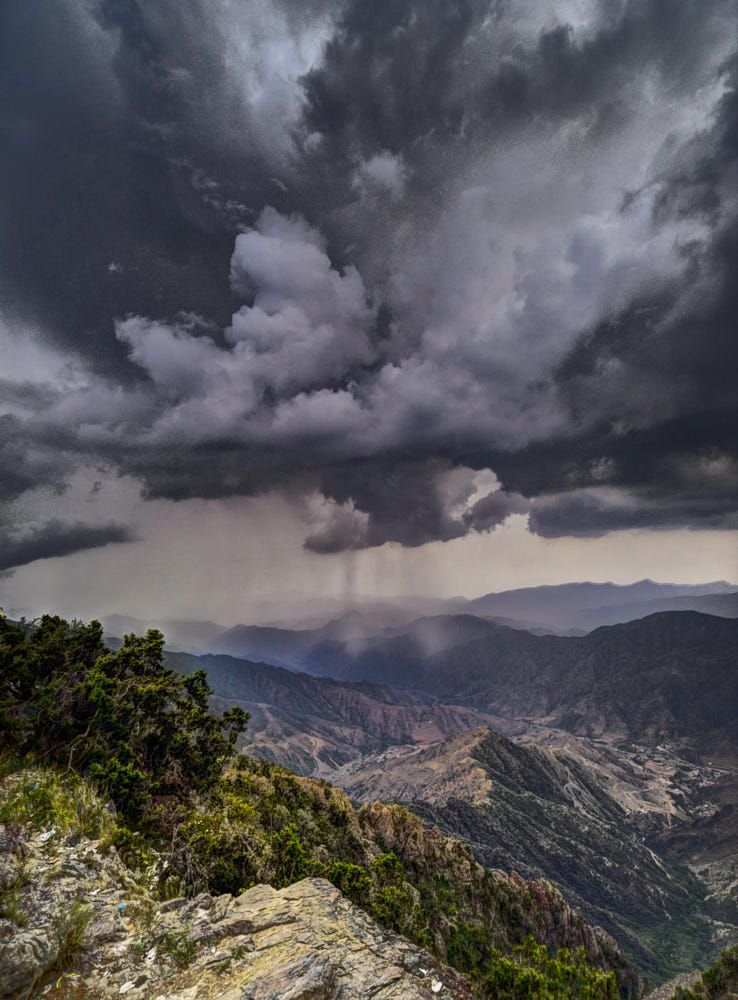 Silent But By Mohamad Younis 500px In 2020 Scenery Abha Sky Sea