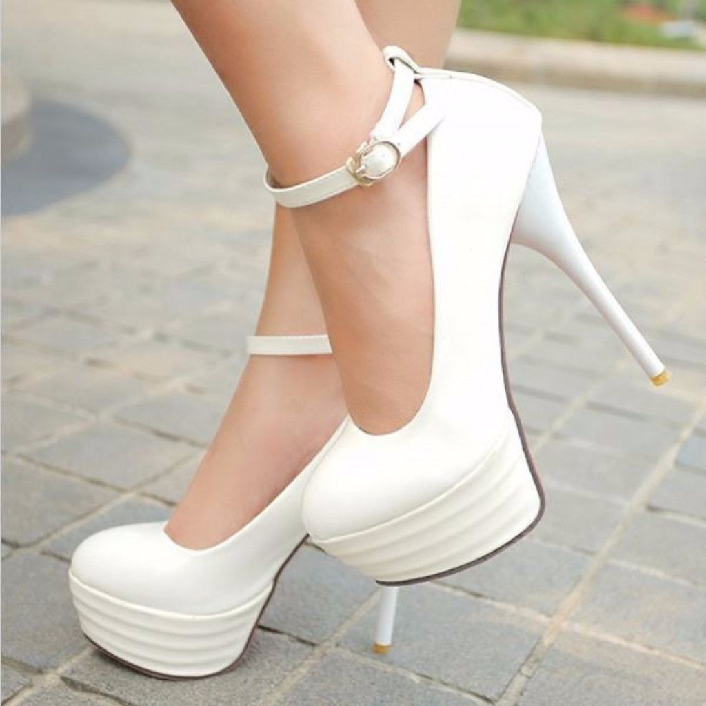 46e0c2a7f 45 Classy Rounded Toe Heels To Attain That Formal And Elegant Look ...