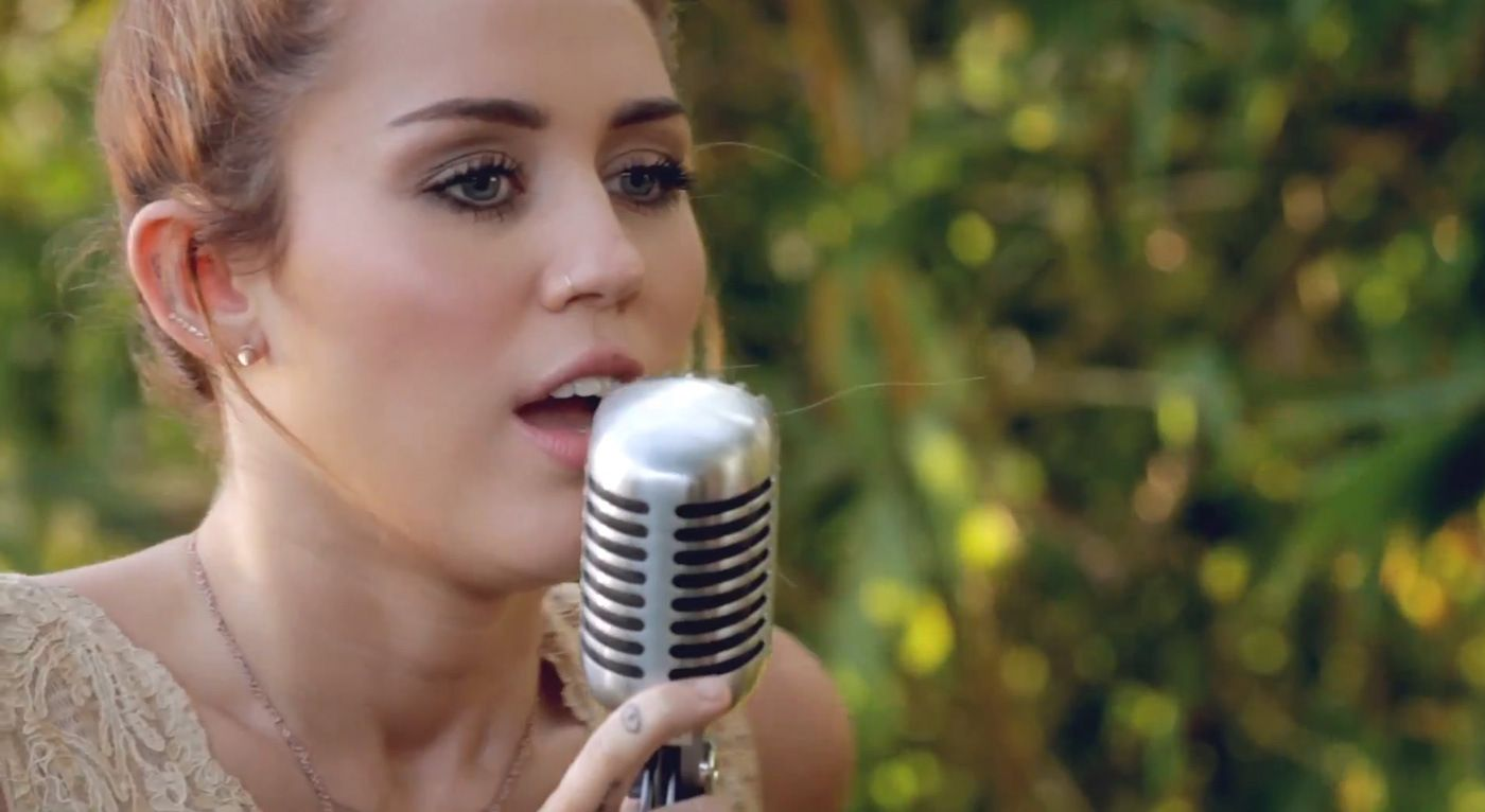 Miley Cyrus U2013 The Backyard Sessions U2013 U201cJoleneu201d